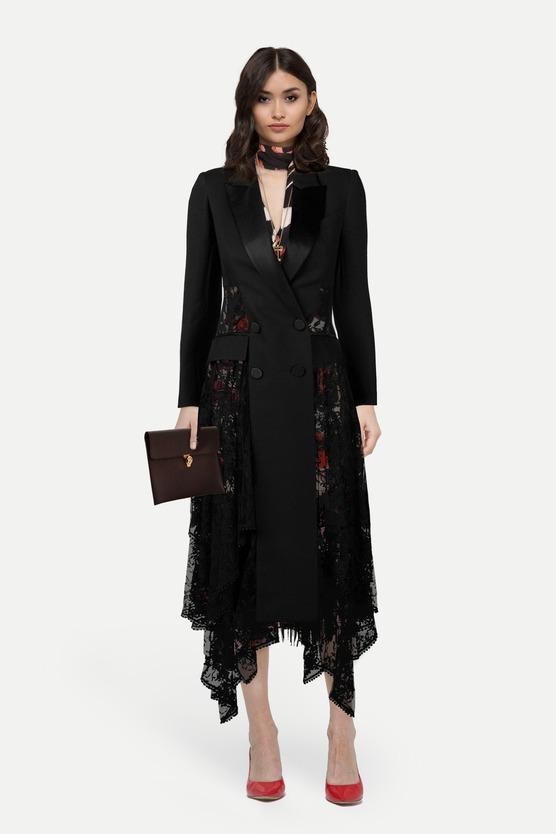 7845b426895 Образ платье миди с бахромой и двубортный блейзер с кружевными вставками