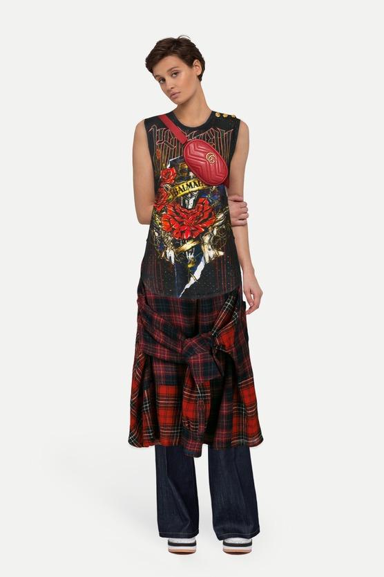 Футболка и юбка в шотландскую клетку — женский образ на mark.moda b8dc7502eb1